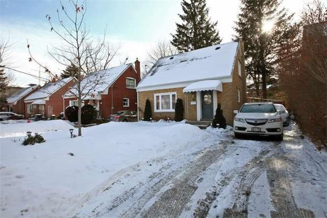 """<p><a rel=""""nofollow"""" href=""""https://www.zoocasa.com/toronto-on-real-estate/5023112-89-charleswood-dr-toronto-on-m3h1x5-c4016003"""">89 Charleswood Dr., Toronto, Ont.</a><br /> Location: Toronto, Ont.<br /> List Price: $999,990<br /> (Photo: Zoocasa) </p>"""