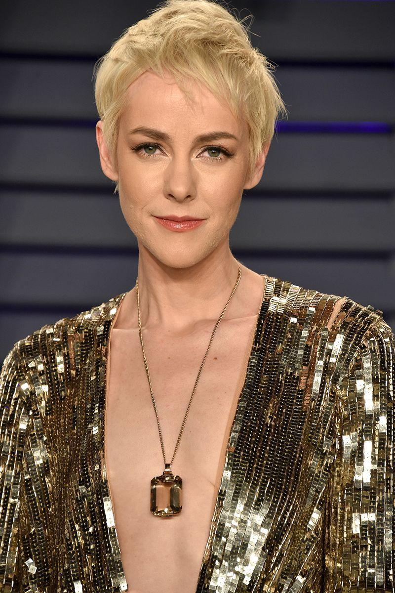 <p>Actress Jena Malone's tousled layered pixie cut is the perfect non-perfect pixie. It's effortless and chic and can be styled in dozens of ways.</p>