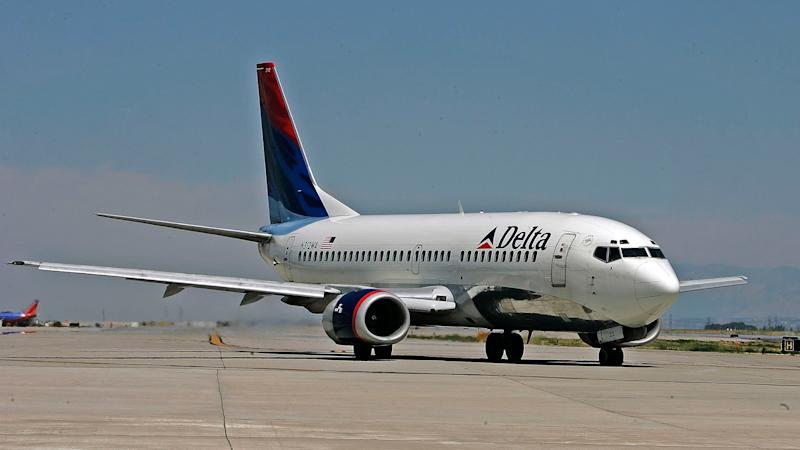 Delta Plane Plunges Nearly 30,000 Feet in Less Than 7 Minutes, Causing Oxygen Masks to Deploy