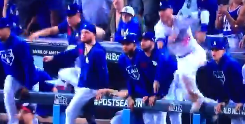 Dodgers prematurely celebrate walk-off victory in the bottom of the ninth of Game 5