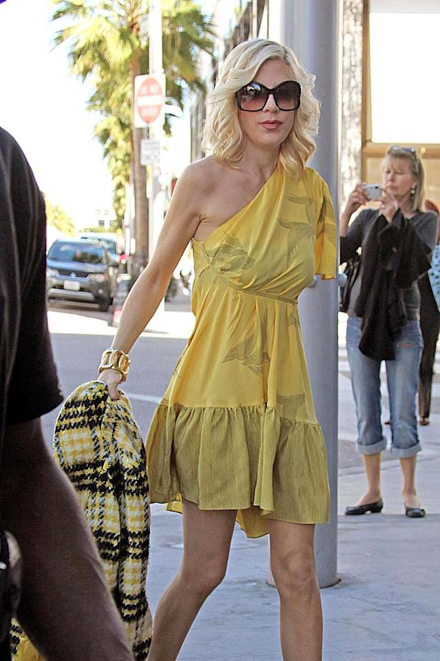 "A super skinny Tori Spelling films scenes for an upcoming episode of the new ""90210"" in Beverly Hills. The actress will reprise her role as Donna Martin. Kevin Perkins/Pedro Andrade/<a href=""http://www. PacificCoastNews.com"" target=""new"">PacificCoastNews.com</a> - February 2, 2009"