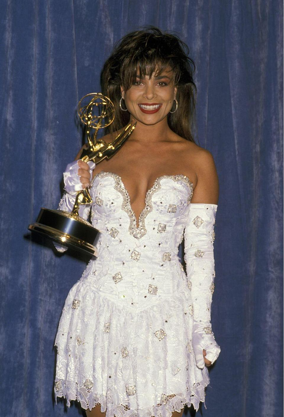 <p>Evoking the very essence of the 80s, the singer and dance sensation knew how to make an entrance.</p>