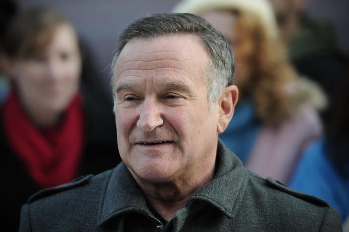 """US actor Robin Williams arrives for the European premiere of """"Happy Feet Two"""" in central London on November 20, 2011. (CARL COURT/AFP via Getty Images)"""