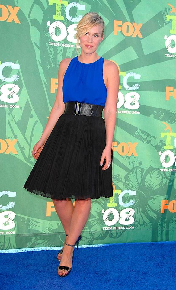 """""""Pocketful of Sunshine"""" singer Natasha Bedingfield brought some much-needed glamor to the blue carpet in a sophisticated sleeveless top and chic skirt. Steve Granitz/<a href=""""http://www.wireimage.com"""" target=""""new"""">WireImage.com</a> - August 3, 2008"""