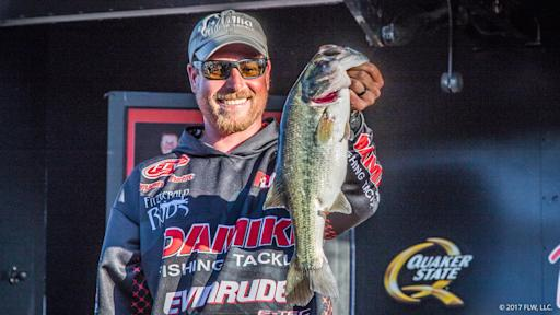 Thrift Reclaims Lead on Day Three of FLW Tour on Lake Travis Presented by Quaker State