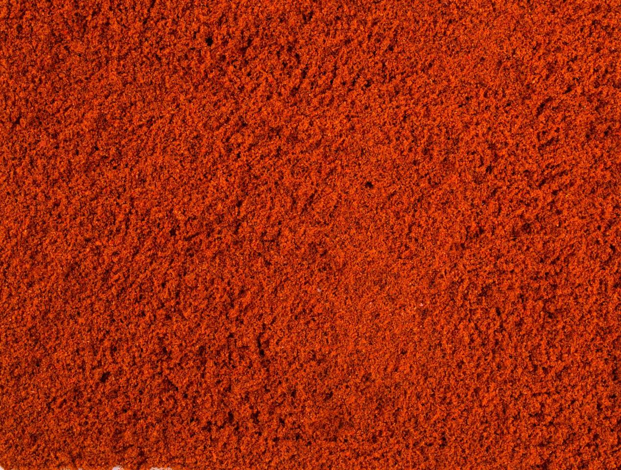 "<p>Cayenne Pepper adds sweet-spicy heat to anything, and it's used in a variety of cuisines. Add a pinch to bean stews, <a href=""https://www.delish.com/uk/cooking/recipes/a28886316/best-homemade-chilli-recipe/"" target=""_blank"">chilli con carne</a>, or even sprinkle on top of <a href=""https://www.delish.com/uk/cooking/recipes/a30267815/tuna-pasta-bake/"" target=""_blank"">pasta bakes</a> and <a href=""https://www.delish.com/uk/cooking/recipes/g30980496/best-macaroni-cheese-recipes/"" target=""_blank"">macaroni cheese</a>. </p>"