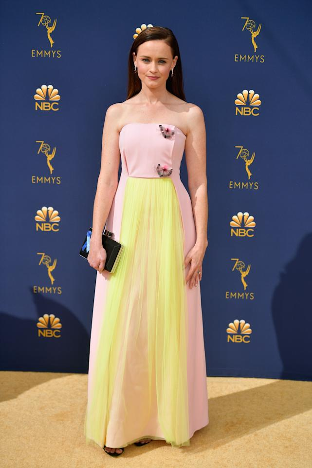 <p>Bledel had a touch of the bright shade on the front of her princess-pink dress. (Photo: Getty Images) </p>