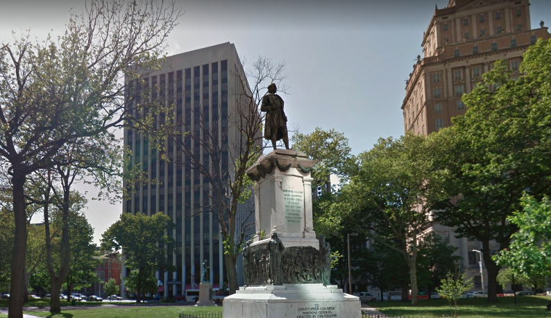 Statue of Christopher Columbus in Washington Park, Newark, New Jersey, before it was removed in June 2020 (Google Maps)