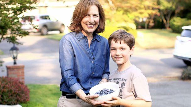 PHOTO: Dr. Kim Schrier with her son in Sammamish, Washington. (ABC News)