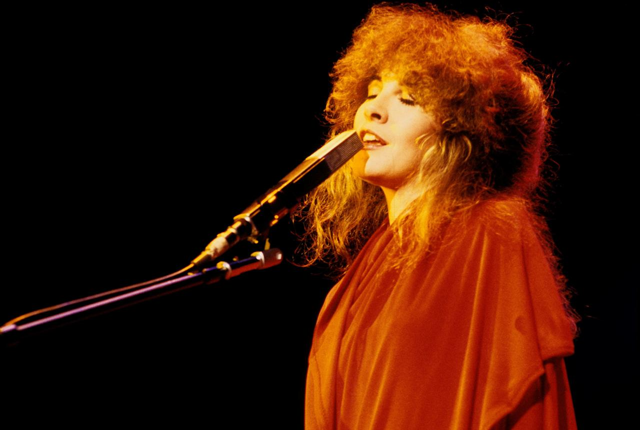 At the forefront of the '70s devil-may-care hair attitude was none other than witchy goddess Stevie Nicks.