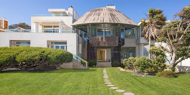Paul allen backs out of buying architectural estate on for Buy house in malibu
