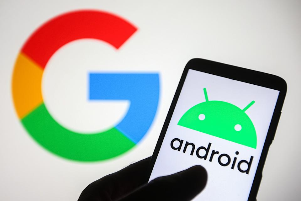 UKRAINE - 2021/08/02: In this photo illustration an Android logo is seen on a smartphone with a Google logo in the background. (Photo Illustration by Pavlo Gonchar/SOPA Images/LightRocket via Getty Images)