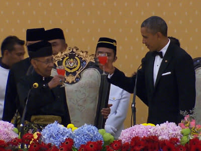 Obama opens long-awaited visit to Malaysia