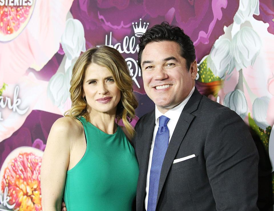 PASADENA, CA - JANUARY 13:  Kristy Swanson and Dean Cain arrive to the Hallmark Channel and Hallmark Movies and Mysteries Winter 2018 TCA Press Tour held at Tournament House on January 13, 2018 in Pasadena, California.  (Photo by Michael Tran/Getty Images)