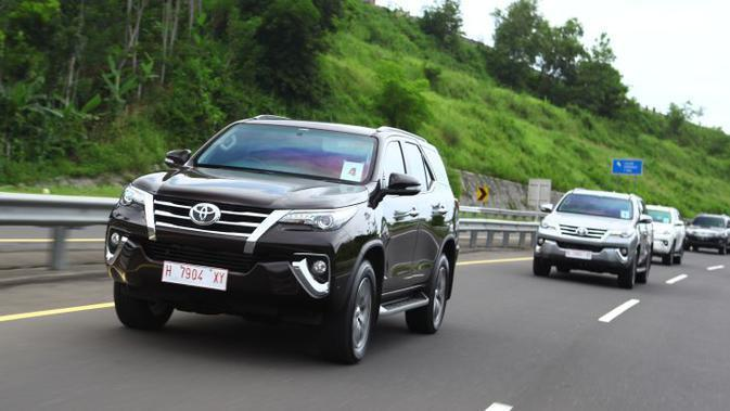 Toyota All New Fortuner yang bermesin Diesel 2,4 liter (Foto: TAM)