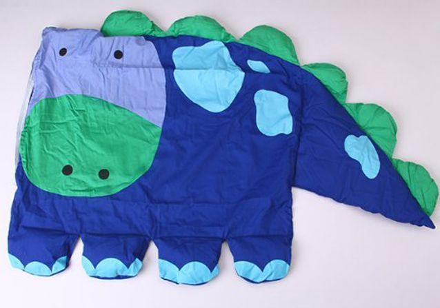 What the dinosaur pillow case should actually look like. (Photo: Amazon)