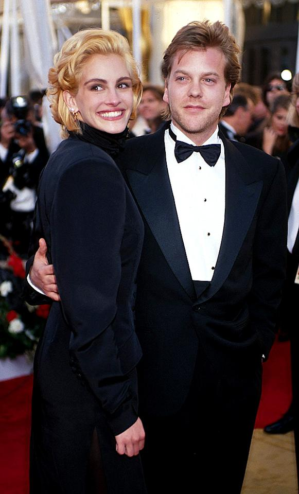 Julia Roberts & Kiefer Sutherland (Photo by KMazur/WireImage)