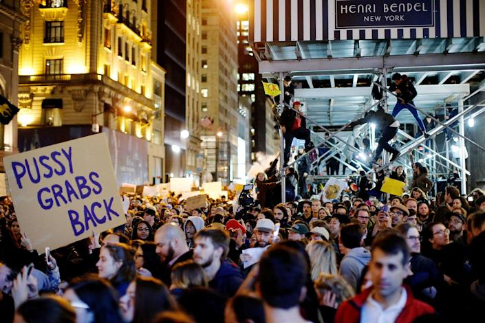 <p>Protesters reach Trump Tower as they march against Republican president-elect president Donald Trump in the neighborhood of Manhattan in New York, U.S., November 09, 2016. (REUTERS/Eduardo Munoz) </p>