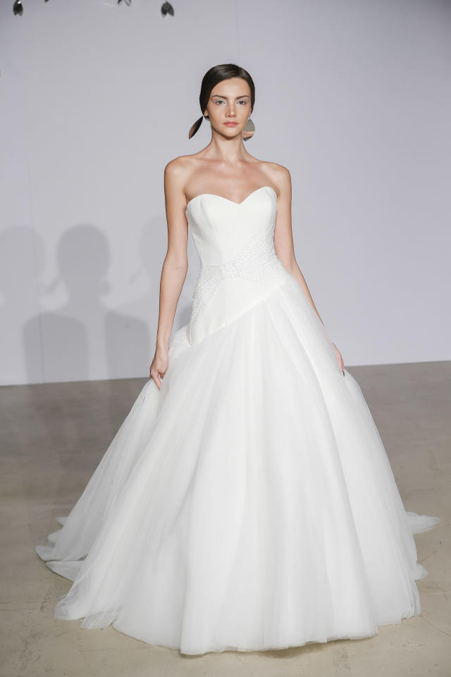 <p>Strapless white voluminous gown. (Photo: Dan Lecca) </p>