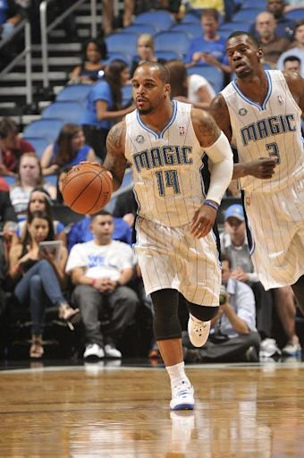 Magic opt for cap space, waive vet Jameer Nelson