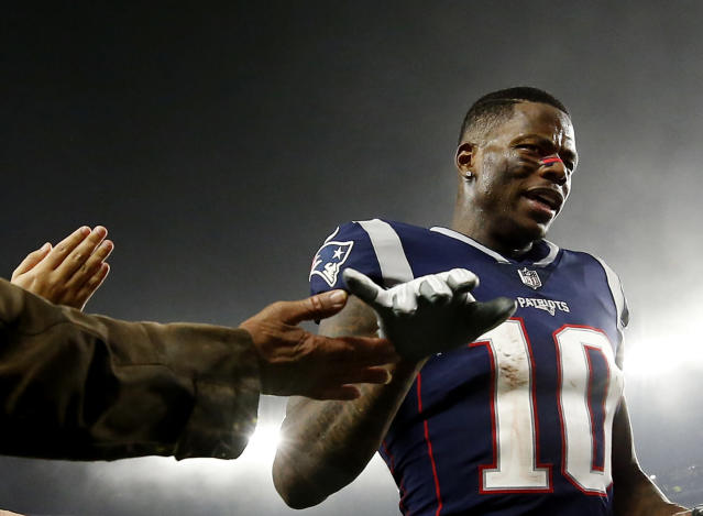 "Wide receiver Josh Gordon, suspended in late December by the NFL, congratulated his <a class=""link rapid-noclick-resp"" href=""/nfl/teams/new-england/"" data-ylk=""slk:Patriots"">Patriots</a> teammates on winning the AFC. (AP)"