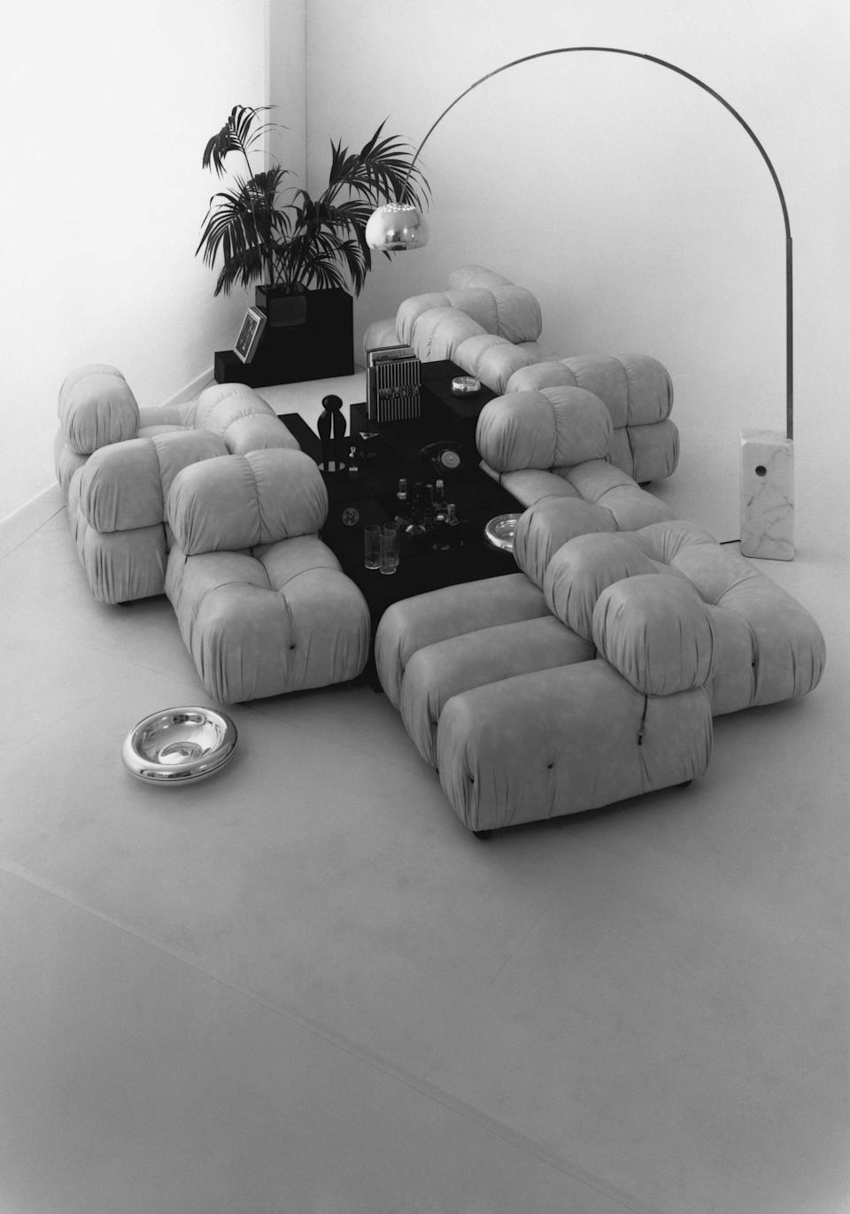 Mario Bellini's Camaleonda sofa, shown in a 1971 B&B Italia advertising campaign.
