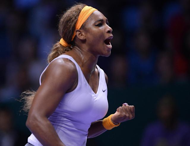 Serena Williams of the U.S shouts after she returned a shot to Li Na of China during their final tennis match at the WTA Championship in Istanbul, Turkey, Sunday, Oct. 27, 2013. The world's top female tennis players compete in the championships which runs from Oct. 22 until Oct. 27.(AP Photo)