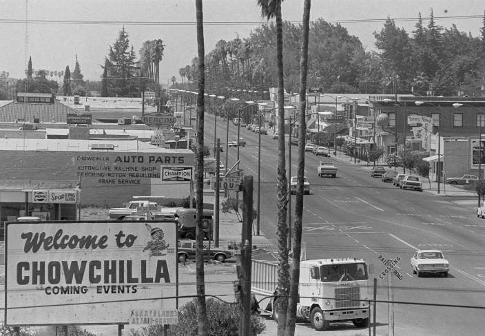 FILE - In this July 28, 1976 file photo, Robertson Blvd. is seen in Chowchilla, Calif., main business district, Ed Ray, the school bus driver hailed as a hero for helping 26 students escape after three men kidnapped the group and buried the entire bus underground in 1976 died on Thursday, May 17, 2012. He was 91.  (AP Photo/John Storey)