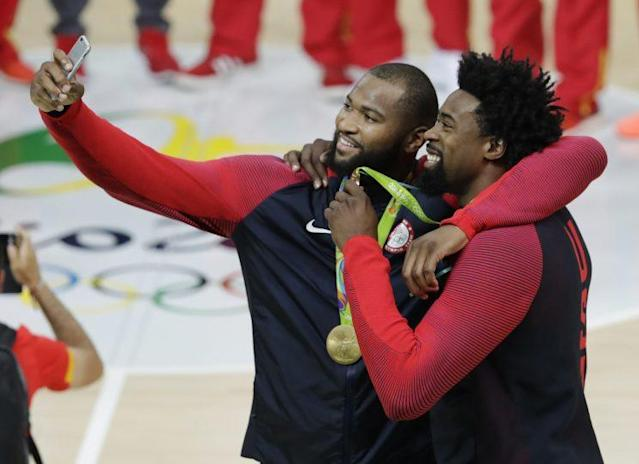 "USA Basketball teammates <a class=""link rapid-noclick-resp"" href=""/nba/players/4720/"" data-ylk=""slk:DeMarcus Cousins"">DeMarcus Cousins</a> and <a class=""link rapid-noclick-resp"" href=""/ncaaf/players/255448/"" data-ylk=""slk:DeAndre Jordan"">DeAndre Jordan</a> could be in the free agent picture in 2018. (AP)"