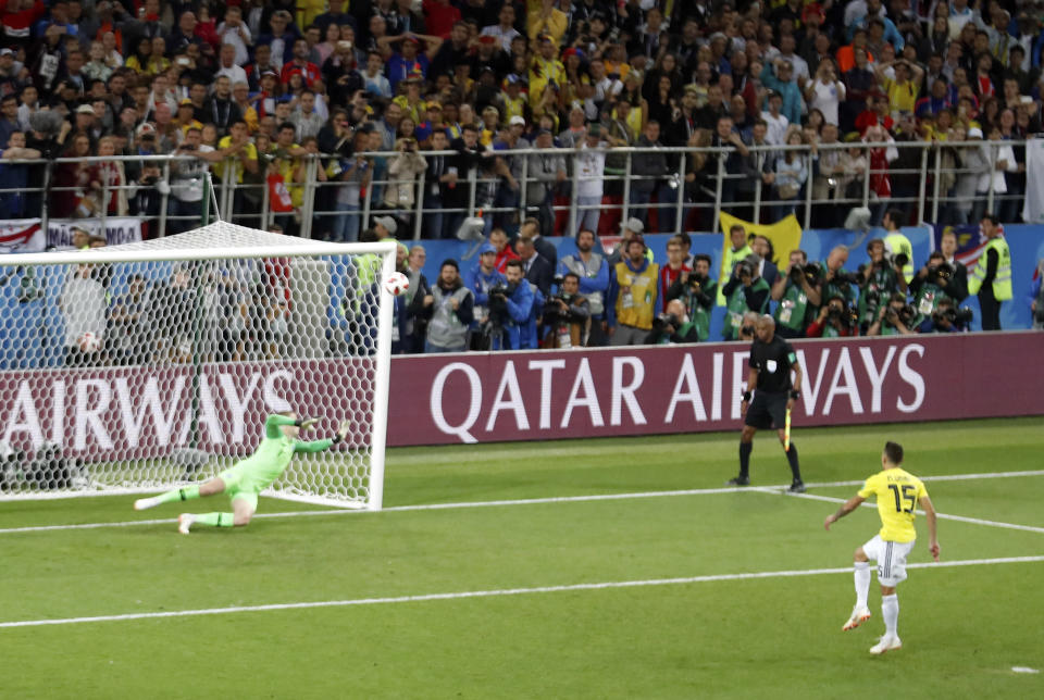 <p>Colombia's Mateus Uribe's shot hits the post and goes out, levelling the shoot-out up after England's Jordan Henderson had seen his earlier effort saved by Colombia's goalkeeper. </p>