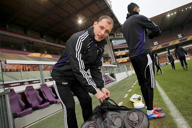 Anderlecht's Milan Jovanovic arrives for a training session in Anderlecht on February 22, 2012, on the eve of the UEFA Europa league, round of 32, second leg football match between Anderlecht and AZ Alkmaar. AZ Alkmaar won the first leg 1-0. AFP PHOTO / BELGA / VIRGINIE LEFOUR ***BELGIUM OUT***