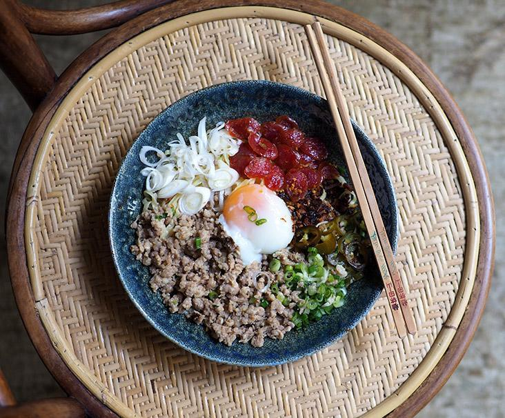 There's a Japanese slant to their dishes like this 'mazemen' that uses the pork mince and Chinese waxed meat