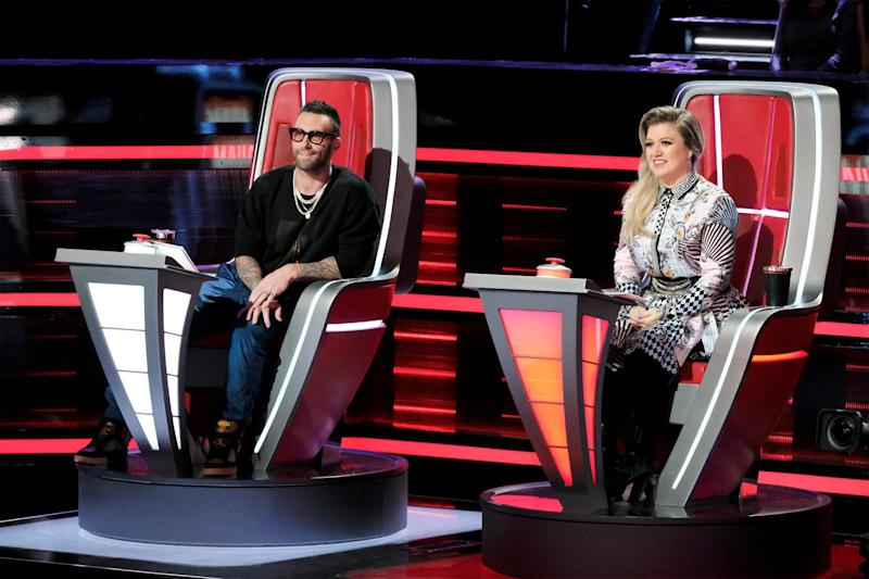Kelly Clarkson addresses Adam Levine leaving   The Voice : 'I kind of get it'