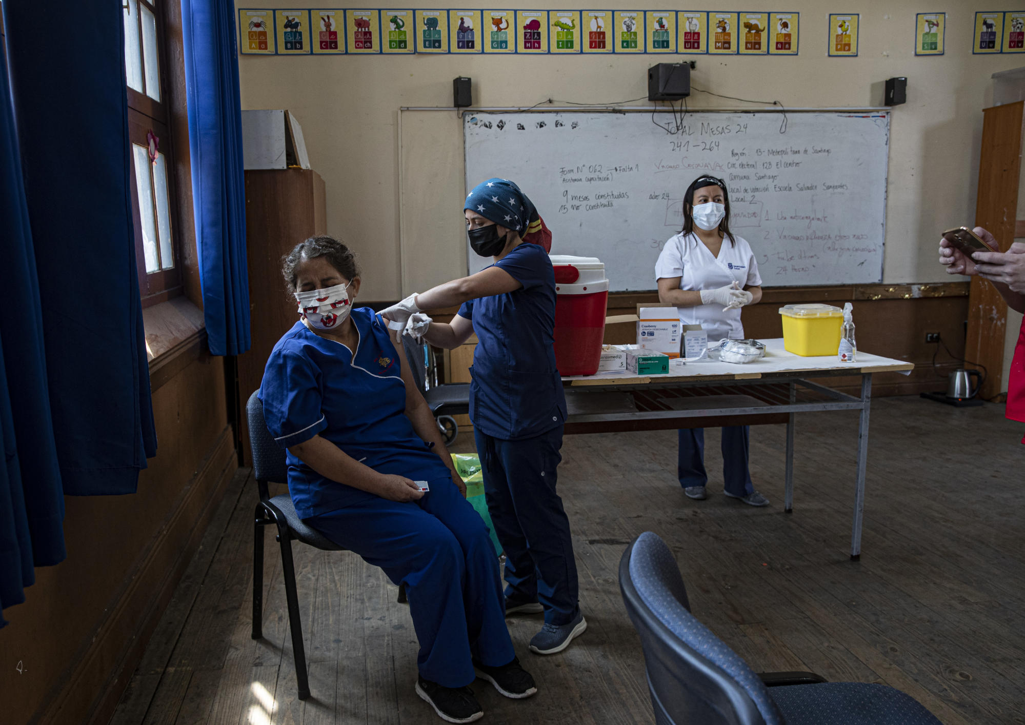 Large study in Chile reveals that Chinese vaccine reduces COVID deaths