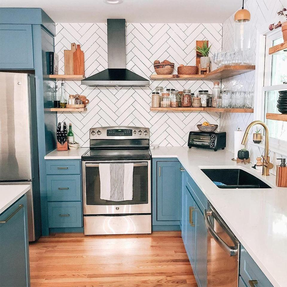 "<p>ICYMI: Wayfair's annual Way Day sale is officially back for 2020. This is the time when you can score massive deals on the many very chic items that the prolific online retailer has to offer. If you've never had the pleasure of filling up an online cart at Wayfair on the cheap, here's a little breakdown of what you need to know about Wayfair's Way Day for 2020. Plus, we scoured the sale to bring you some of the <a href=""https://www.delish.com/food-news/g32600659/best-baking-pan-sets/"" rel=""nofollow noopener"" target=""_blank"" data-ylk=""slk:best items and biggest deals"" class=""link rapid-noclick-resp"">best items and biggest deals</a> to snatch up. </p><h2 class=""body-h2"">So, what is Way Day exactly? </h2><p class=""body-text"">Think of Way Day like <a href=""https://www.delish.com/kitchen-tools/cookware-reviews/g34060826/amazon-prime-day-kitchen-deals-2020/"" rel=""nofollow noopener"" target=""_blank"" data-ylk=""slk:Amazon Prime Day"" class=""link rapid-noclick-resp"">Amazon Prime Day</a> but for Wayfair: It's a day when you can cash in on super exciting and extra rare discounts on a ton of the best stuff the site has to offer. We're talking up to 80 percent off some of your favorite home decor, kitchen supplies, and more. More than 200,000 items are getting their prices slashed! Even the site itself calls it better than Black Friday. Plus, you'll get free shipping and additional flash deals to look for throughout the sale.</p><h2 class=""body-h2"">When is Way Day 2020?</h2><p class=""body-text"">The name is kinda misleading but in the best possible way: Way Day's not just one day, it's a full two days! This year, Way Day will be held starting September 23 and running through the end of the day on September 24. This is the longest version of the event in history, as it's typically only been held for 24 or 36 hours. That's another HALF A DAY to scoop up all your favorite things.</p><h2 class=""body-h2"">How do you get the deals?</h2><p class=""body-text""> There is no promo code nor membership required. Discounts will automatically appear. You just simply browse the site and add everything you've ever dreamed of owning to your cart when you see something you like.</p><h2 class=""body-h2"">What deals will be available for Way Day 2020?</h2><p>Wayfair released a list of some of the deals we can look forward to including up to 65 percent off outdoor furniture, major appliances starting at only $199, and dining furniture from $80. You can see a <a href=""https://go.redirectingat.com?id=74968X1596630&url=https%3A%2F%2Fwww.wayfair.com%2Fdaily-sales%2Fupcoming&sref=https%3A%2F%2Fwww.delish.com%2Fkitchen-tools%2Fcookware-reviews%2Fg34113262%2Fwayfair-way-day-2020-sales%2F"" rel=""nofollow noopener"" target=""_blank"" data-ylk=""slk:list of deals here"" class=""link rapid-noclick-resp"">list of deals here</a> and even request notifications for when the sale starts. </p><p>Below, we've rounded up some of our early favorites.</p>"