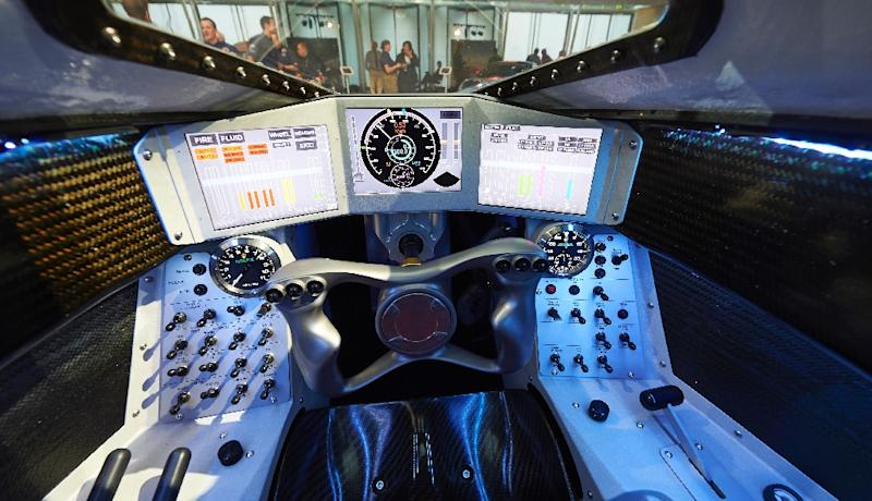 The driver's console of the Bloodhound Supersonic Car on September 24, 2015 (AFP Photo/Niklas Halle'n)