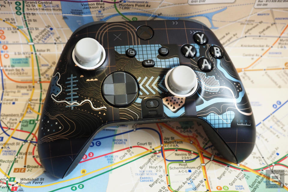 Scuf Gaming Instinct Pro with map patterned face