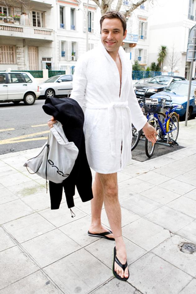 "Celebrity photos: Never one to miss a funny photo opportunity, David Walliams posed for this Twitpic in his dressing gown and flip flops. He said: ""Me swimming training in France. Towelling robe model's own."""