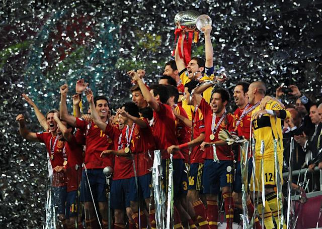 KIEV, UKRAINE - JULY 01: Iker Casillas of Spain lifts the trophy as he celebrates following victory in the UEFA EURO 2012 final match between Spain and Italy at the Olympic Stadium on July 1, 2012 in Kiev, Ukraine. (Photo by Jasper Juinen/Getty Images)