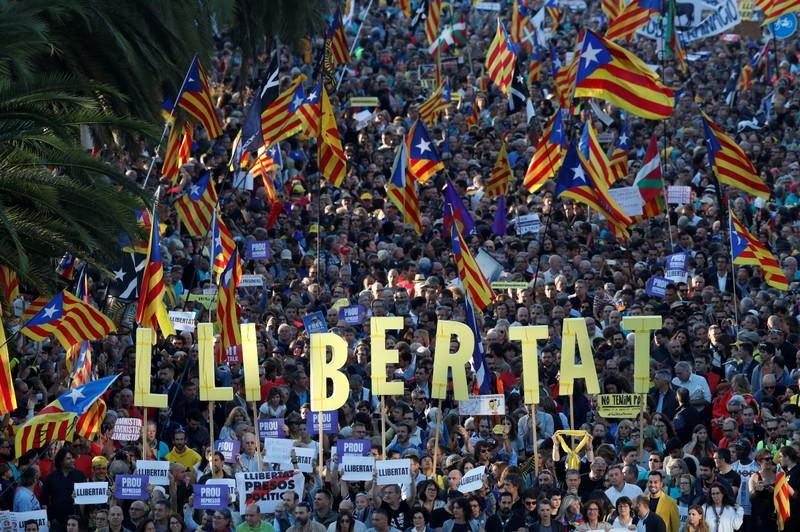 Police, Catalan separatists clash as day of protest ends in violence