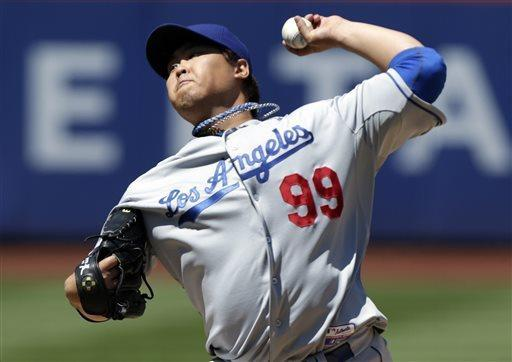 Los Angeles Dodgers starting pitcher Hyun-Jin Ryu, of South Korea, pitches during the first inning of the baseball game against the New York Mets at Citi Field Thursday, April 25, 2013 in New York. (AP Photo/Seth Wenig)