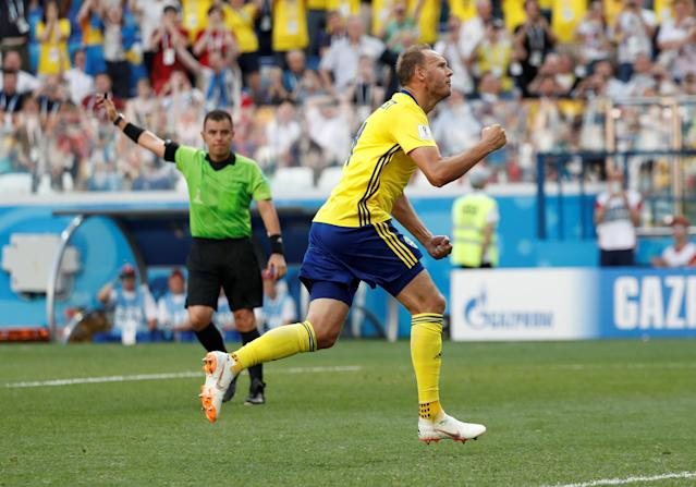 Soccer Football - World Cup - Group F - Sweden vs South Korea - Nizhny Novgorod Stadium, Nizhny Novgorod, Russia - June 18, 2018 Sweden's Andreas Granqvist celebrates scoring their first goal REUTERS/Murad Sezer