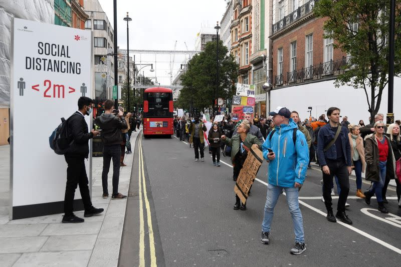 Anti-lockdowners protest as London COVID alert level is raised