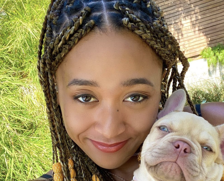 Naomi Osaka poses with her new puppy, a beige Frenchie (Photo: Instagram)