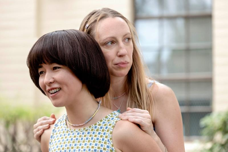 PEN15, from left: Maya Erskine, Anna Konkle, 'First Day', (Season 1, ep. 101, airs Feb. 8, 2019). photo: Alex Lombardi / Hulu / Courtesy: Everett Collection