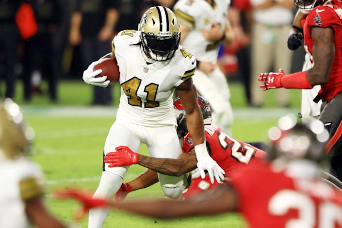Alvin Kamara and the New Orleans Saints ran wild on the Tampa Bay Buccaneers in the regular season. (Photo by Mike Ehrmann/Getty Images)