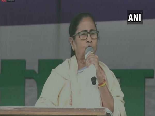 West Bengal CM Mamata Banerjee addressing in a public rally in Purulia, West Bengal. (Photo/ANI)