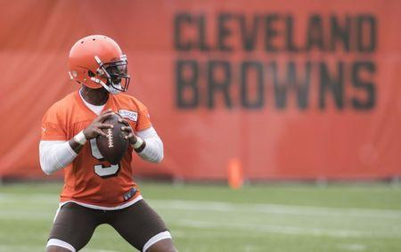 Jun 12, 2018; Berea, OH, USA; Cleveland Browns quarterback Tyrod Taylor (5) throws a pass during minicamp at the Cleveland Browns training facility. Mandatory Credit: Ken Blaze-USA TODAY Sports