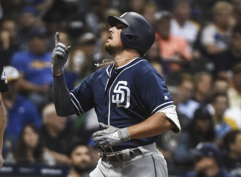 Padres to get outfielder in trade with Rays
