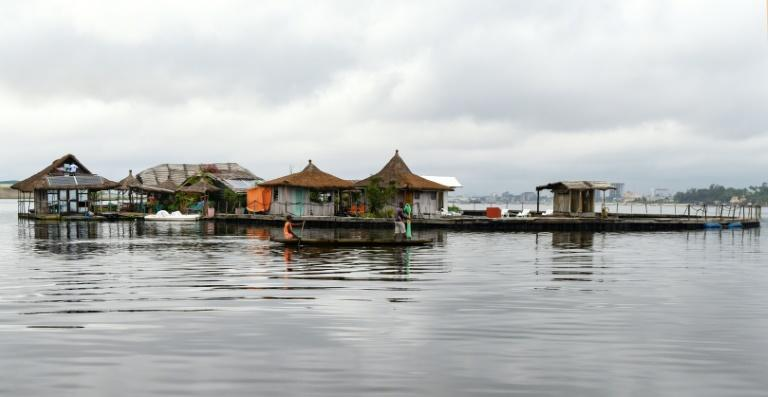 The 'island' floats on a platform made from hundreds of thousands of discarded plastic bottles (AFP Photo/ISSOUF SANOGO)